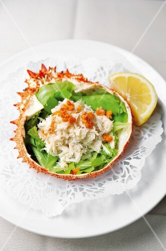 Spider crab filled with salad