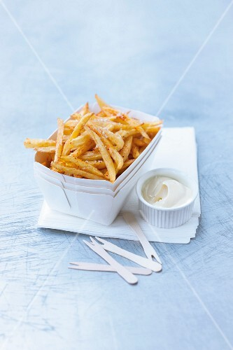 Chips with mayonnaise