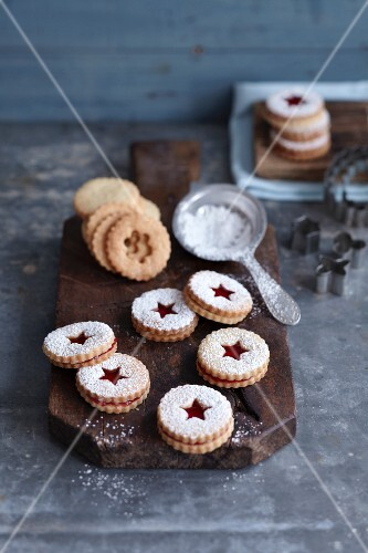 Jammy shortbread biscuits