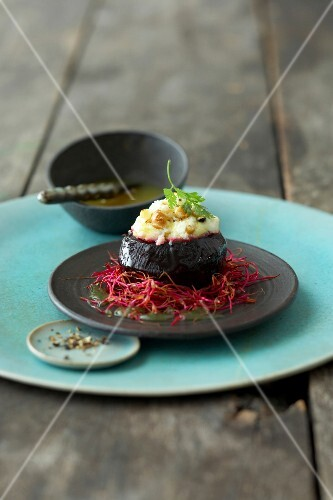 Baked beetroot on saucer