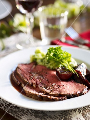 Roast beef with red wine shallots and parsley purée