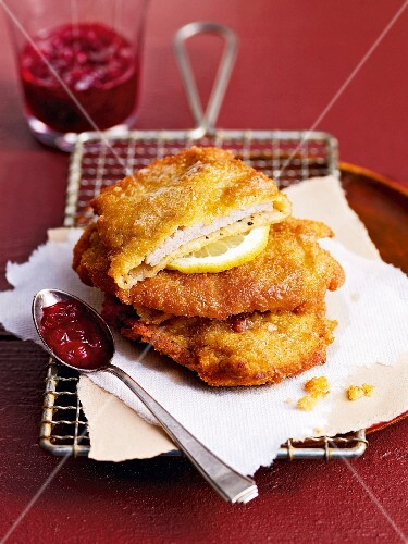 Viennese escalopes with cranberries