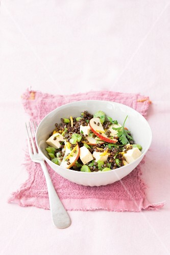 Beluga lentil salad with tofu, celery and apple
