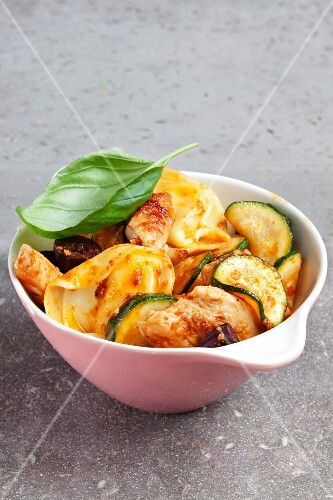 Tortellini with turkey and courgette