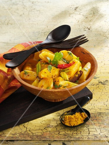 Black salsify and apple curry