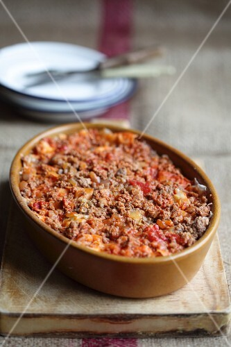 A minced meat bake with chilli and tomatoes