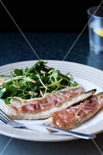 Mackerel with bacon and salad