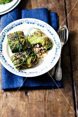Savoy cabbage roulade with quinoa