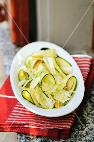 Courgette salad with spring onions an croutons