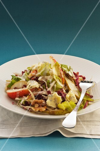 Pear salad with celery, blue cheese and walnuts