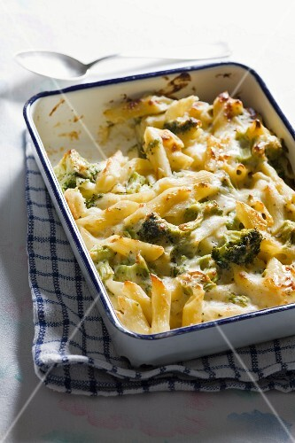 Pasta and broccoli bake with sardines