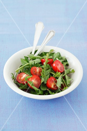 Dandelion salad with cherry tomatoes