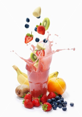 A splash of banana, strawberry, blueberry, kiwi and grapefruit smoothie