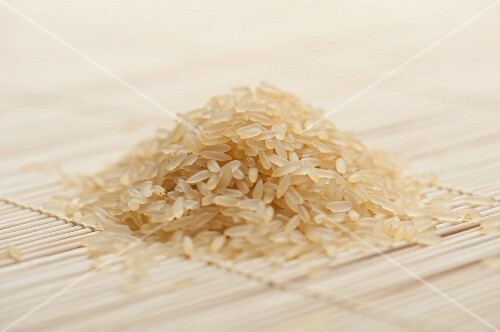 A heap of long-grain rice