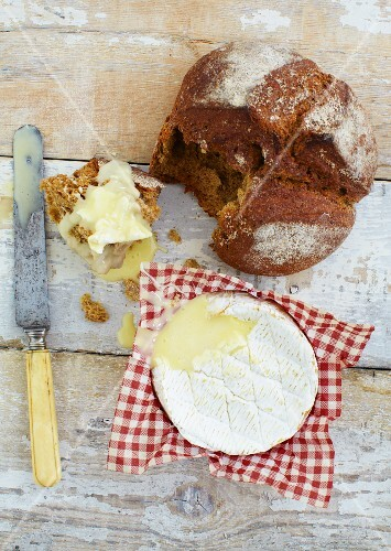 Bread and warm camembert