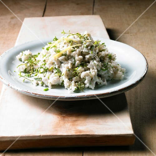 Lemon risotto with thyme