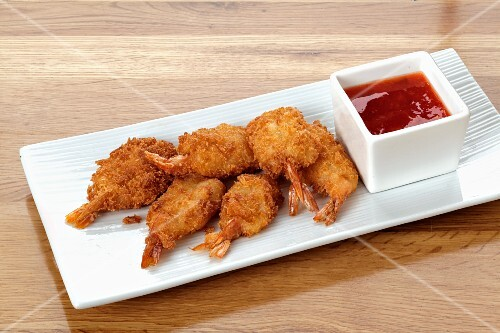 Breaded shrimps with a dip