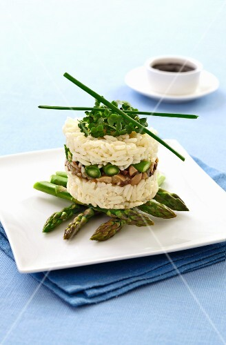 Rice with green asparagus