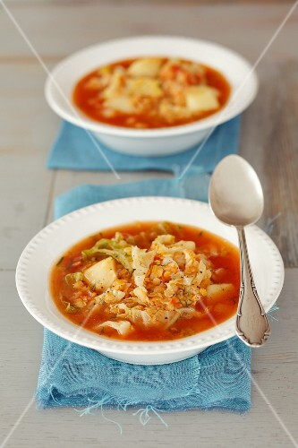 Savoy cabbage soup with lentils, tomatoes and potatoes