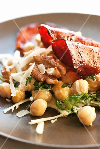 Chickpea salad with fried ham and walnuts