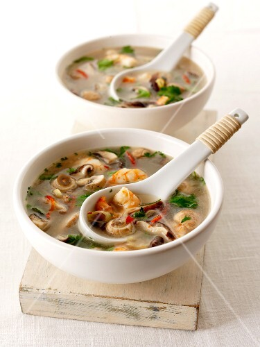 Prawn soup with mushrooms (Asia)