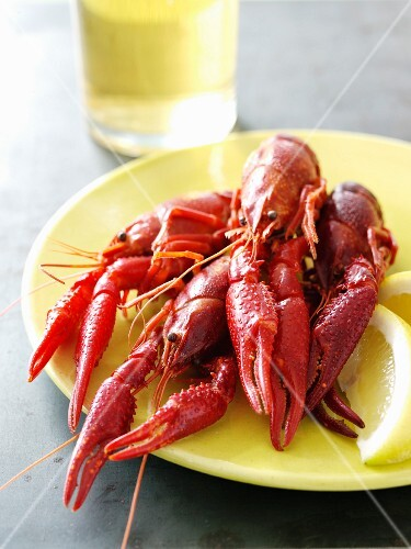 Steamed Crawfish on a Plate with Lemon