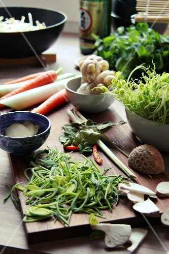 Ingredients for Szechuan soup (China)