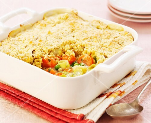 Vegetable bake with crumbles