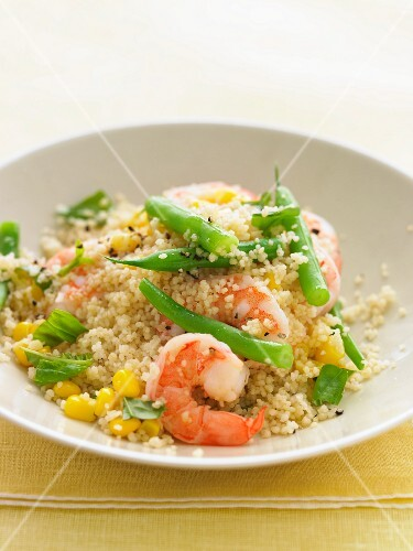 Couscous salad with prawns, sweetcorn and beans