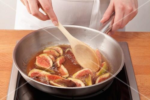 Figs being caramelised