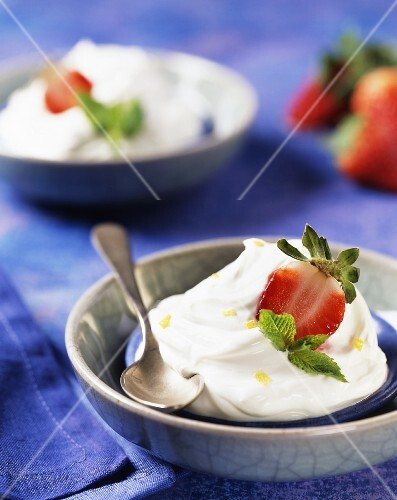 Lemon mousse with strawberries
