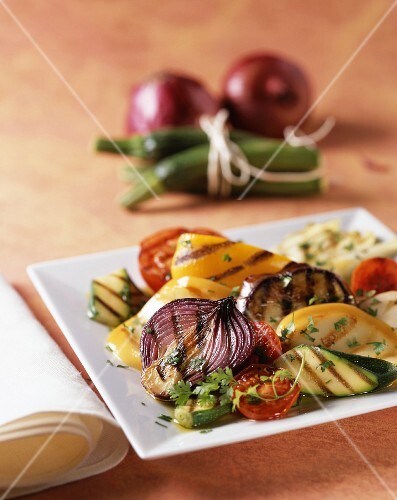 Vegetable salad with chargrilled vegetables