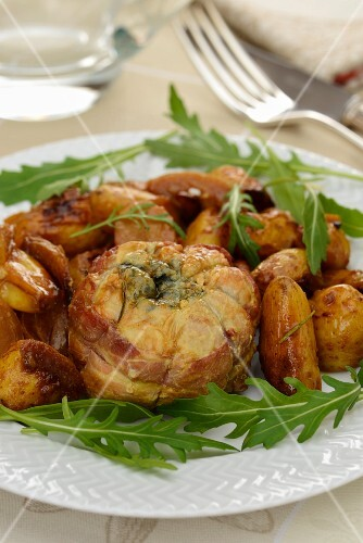 Roasted rolled veal with blue cheese and La Ratte potatoes