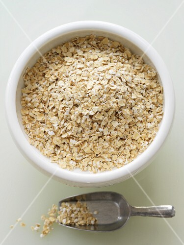 Bowl and Scoop of Gluten Free Oats