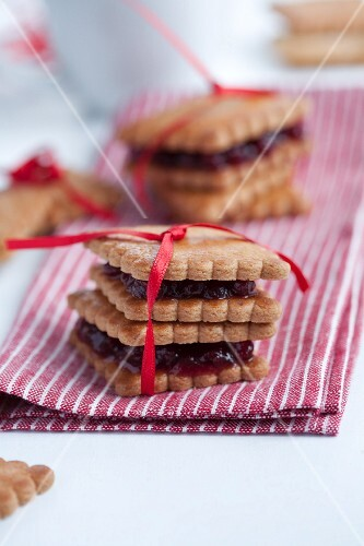 Butter biscuits with jam, as a gift