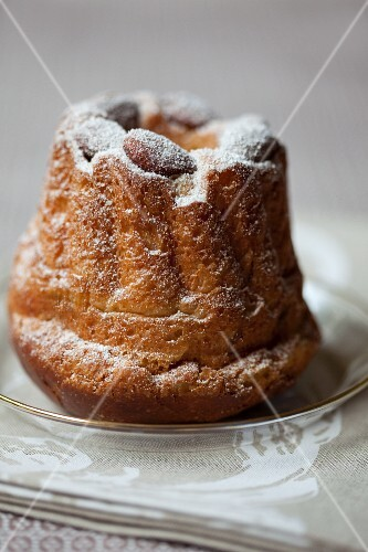 Almond Bundt cake with icing sugar