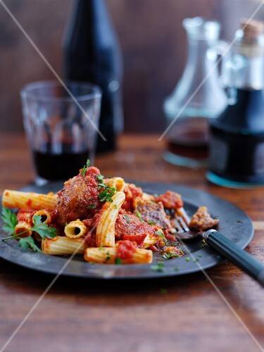 Rigatoni with meatballs and tomatoes