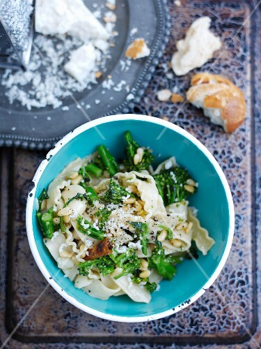 Pasta with broccoli, chillies, pine nuts and parmesan