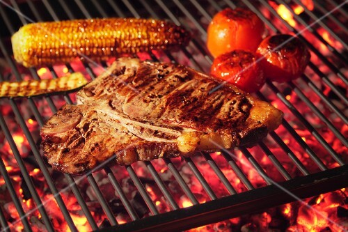 Barbecued T-bone steak with barbecued vegetables