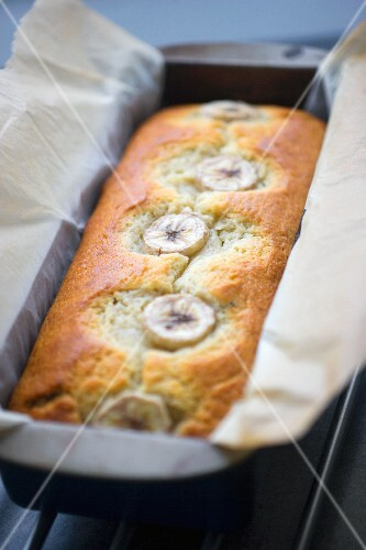 Yoghurt cake with bananas in a loaf tin