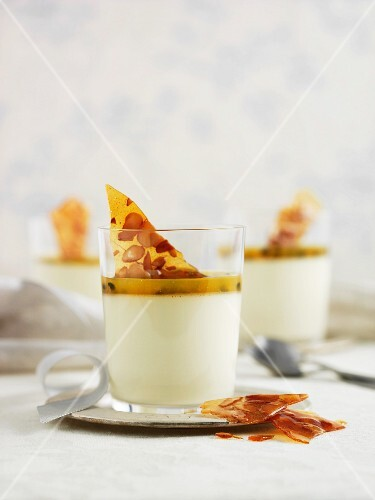 Panna cotta with passion fruit sauce and triangles of caramel