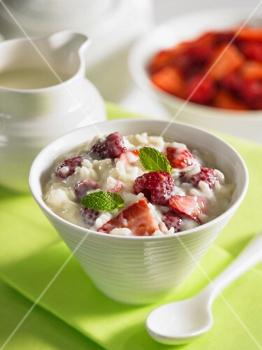 Rice pudding with berries