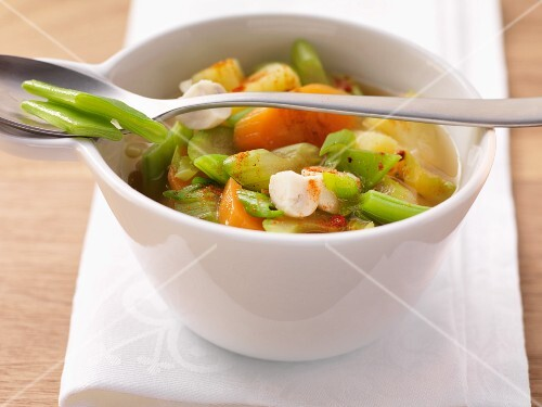 Vegetable stew with beans and carrots