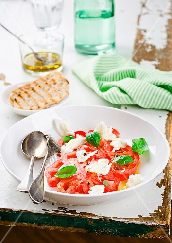 Beef steak tomatoes with mozzarella