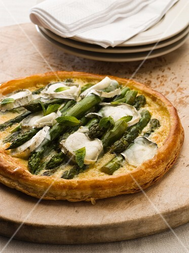 Asparagus and goat's cheese tart with mint