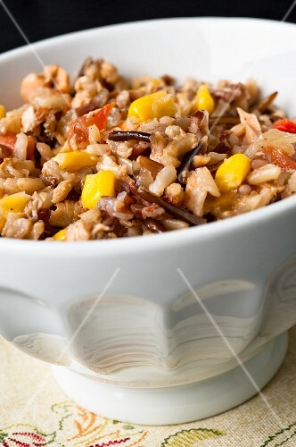 Wild rice with sweetcorn, red pepper, tomatoes and salmon