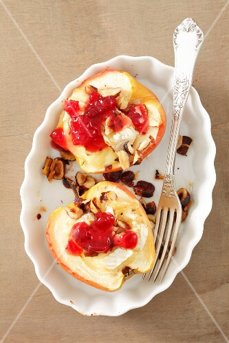 Apples stuffed with camembert and hazelnuts with cranberry jam