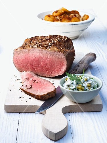 Roast beef with roast potatoes and remoulade