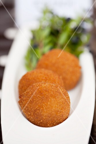 Small cheese croquettes
