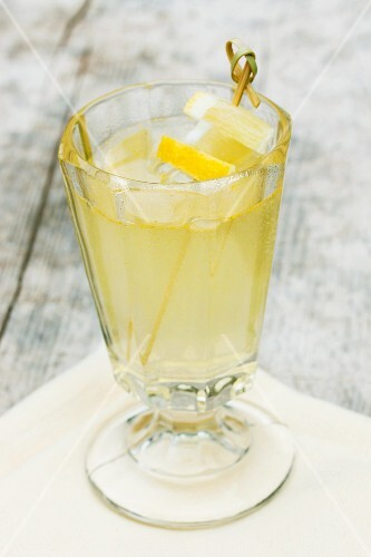Lemonade made with dandelions, lemons and mineral water